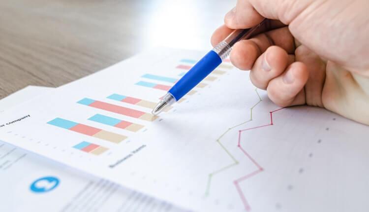 chart-data-desk-590022-1